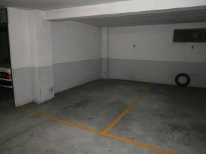 Garage spaces for sale at España
