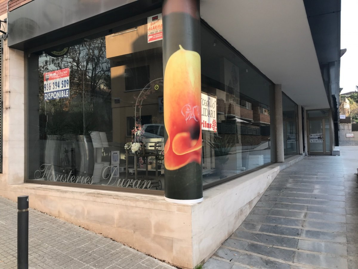 Local commercial  Palau plegamans ,centro. Local comercial en venta