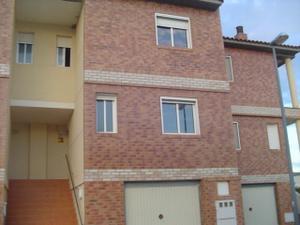 Casa adosada en Venta en Arrabal / Nuez de Ebro