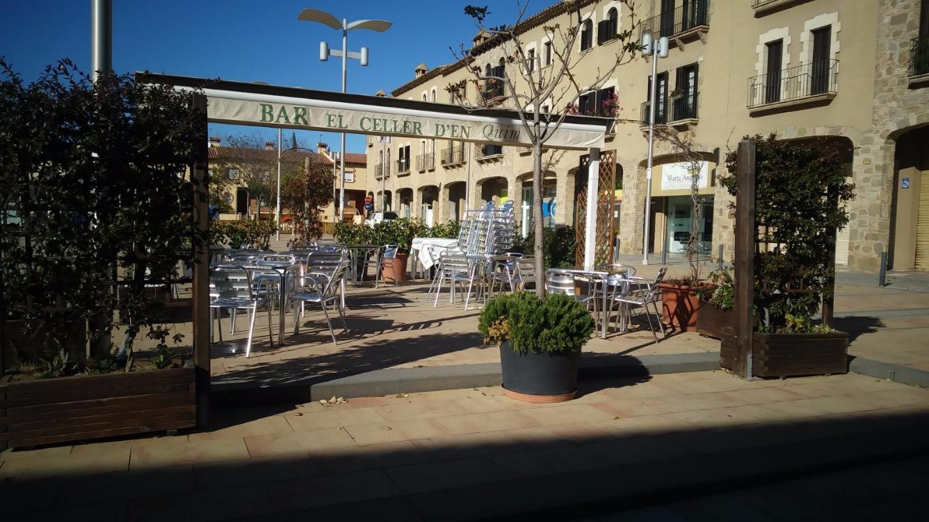 Local Comercial  Plaza pau casals. Local en venda amb negoci de restaurant