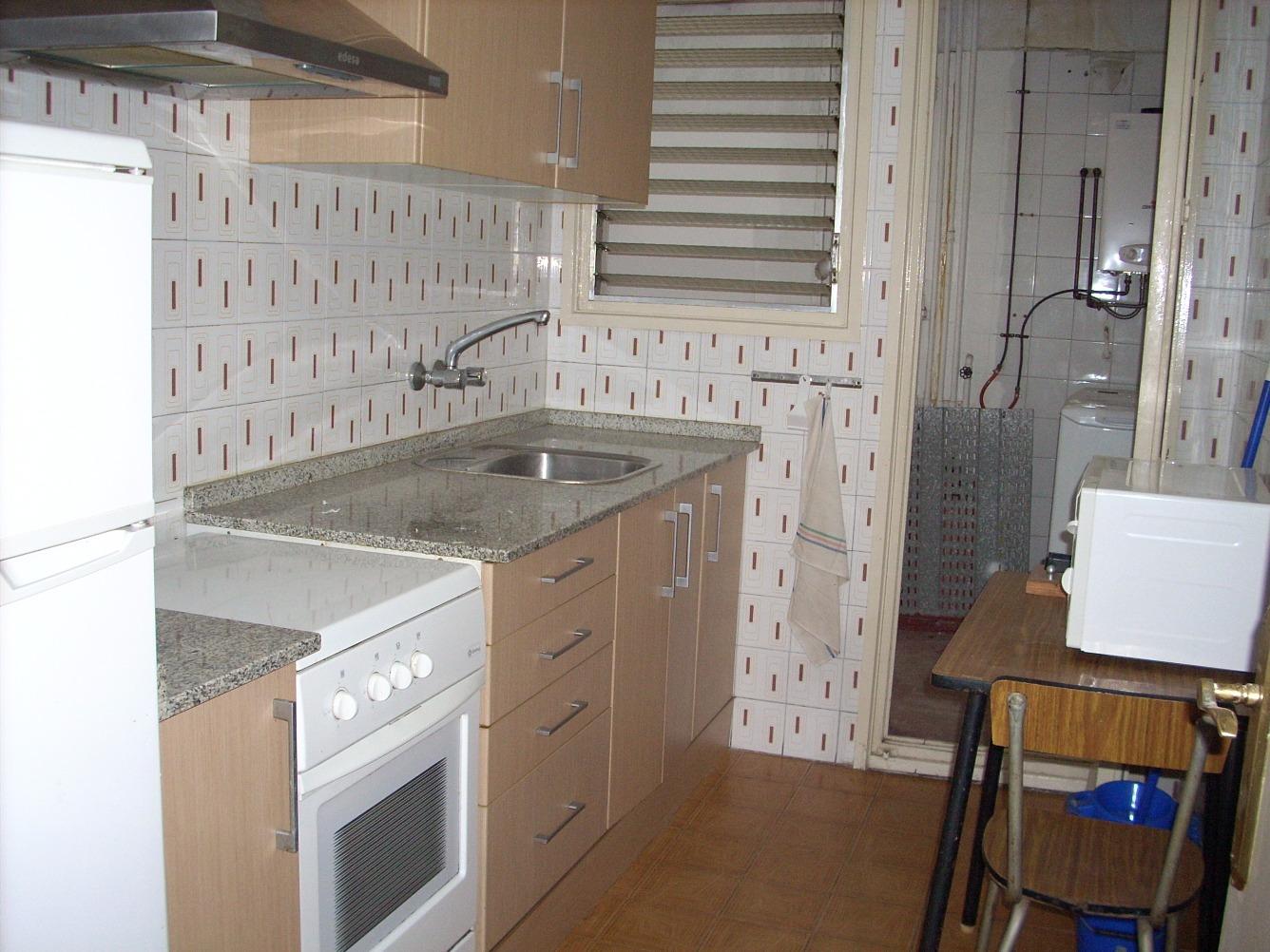 Mueble de cocina segunda mano amazing aparador madera de - Muebles segunda mano tarragona ...