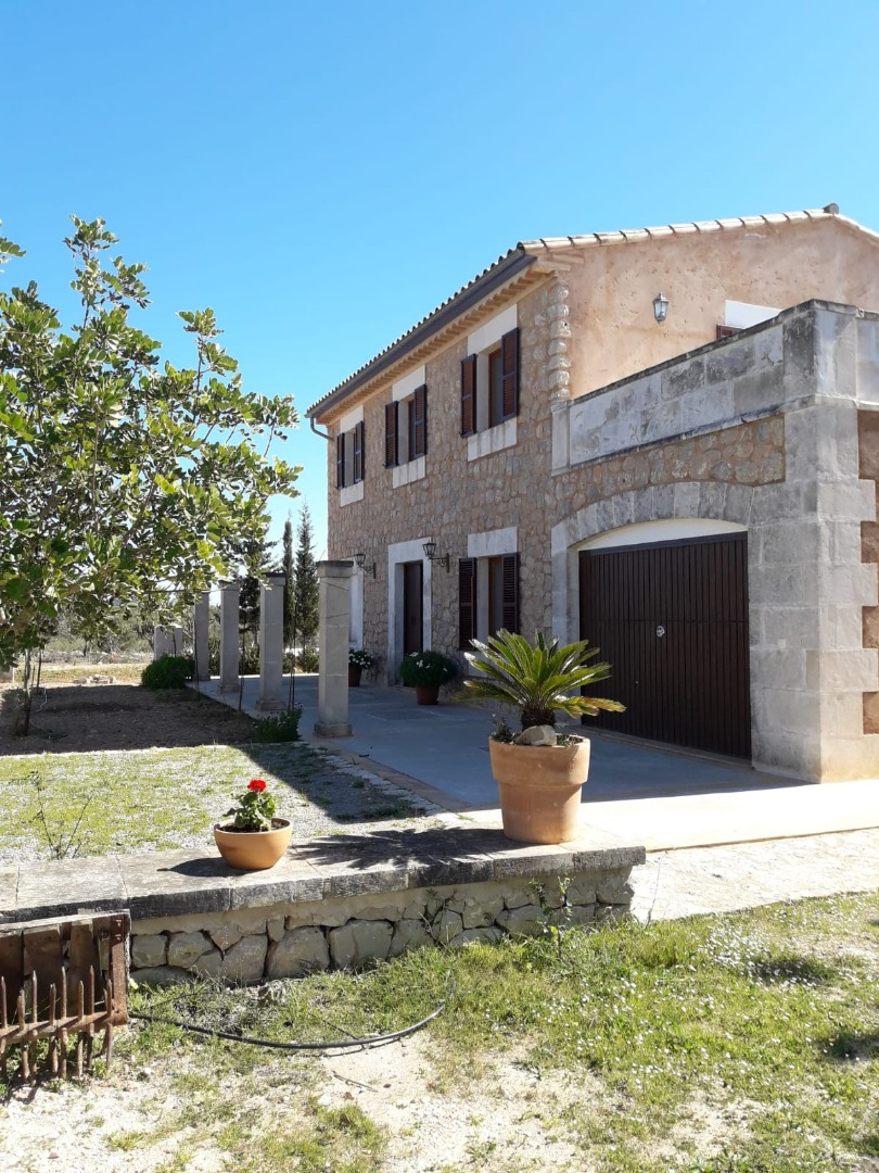 Rental House  Son negre