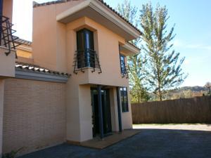Casa adosada en Alquiler en Sant Esteve - Castellvi, Zona de - Sant Esteve Sesrovires / Sant Esteve Sesrovires