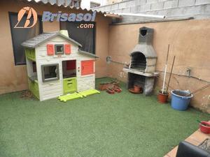 Casa adosada en Venta en Balmes / Poblenou - L´Oliva Gran