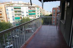 Piso en Alquiler en Valencia / Eixample