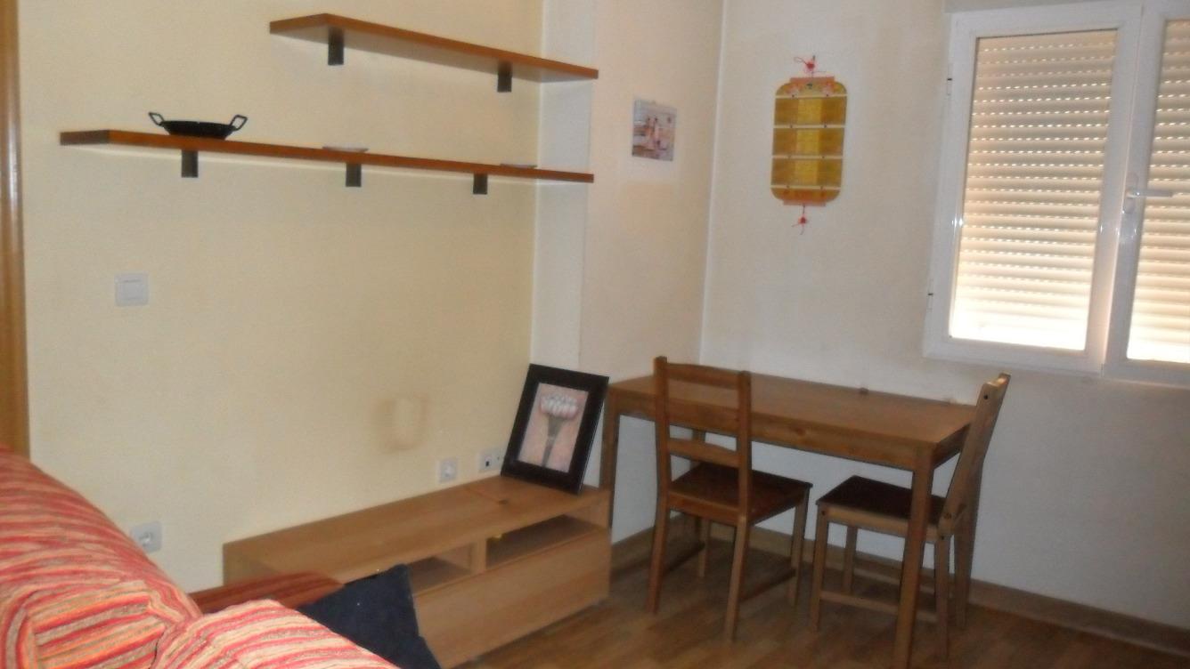 Alquiler Piso  Calle alique, 2. Piso nuevo y super centrico en alquiler 250€ y en venta por 5000