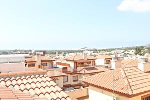 Casa adosada en Venta en Lobres / Salobreña