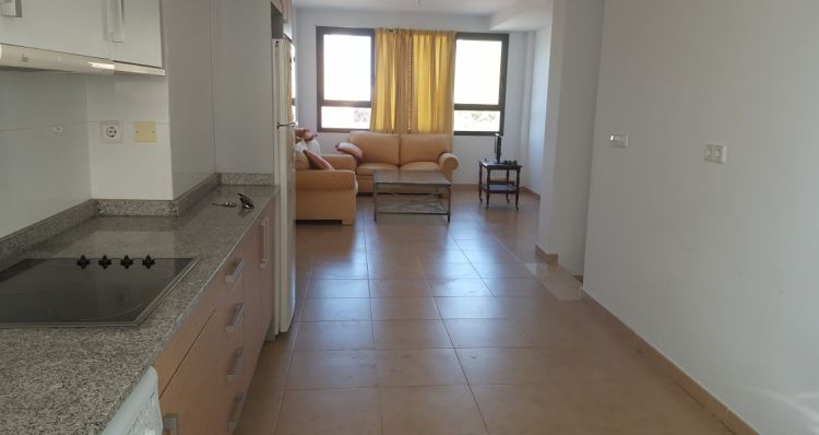 Location Appartement  Calle 25 d'abril, 4. Alquiler de larga estancia. precioso y soleado dúplex amueblado