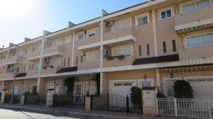 Casa adosada en Venta en Joanot Martorell, 15 / Sollana