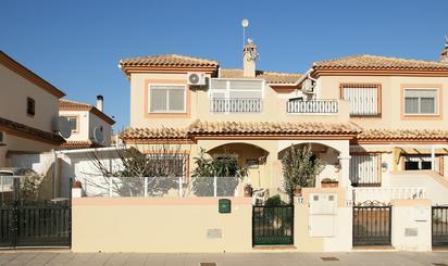 Casas adosadas en venta con terraza en Alicante Provincia