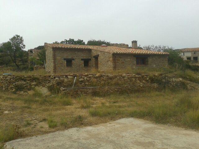 Casa  L'alcalatén - lucena del cid. Masia refugio rural de piedra