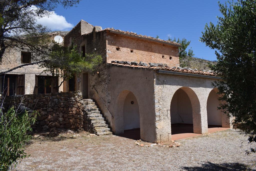 House  Sierra engarcerán. Gran masia solitaria antigua totalmente reformada de 280 mts y t