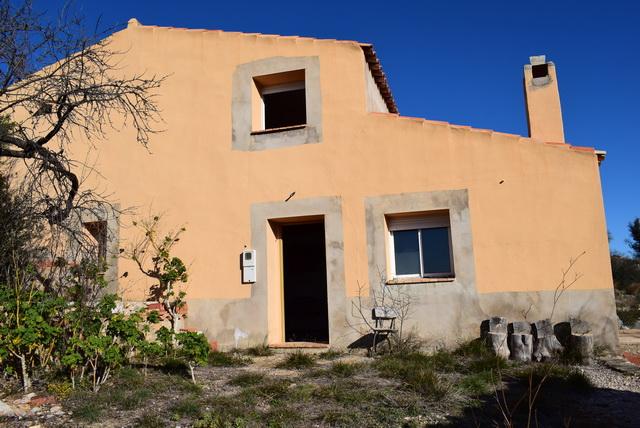 Casa  Culla. Masia de 186 mts con terreno