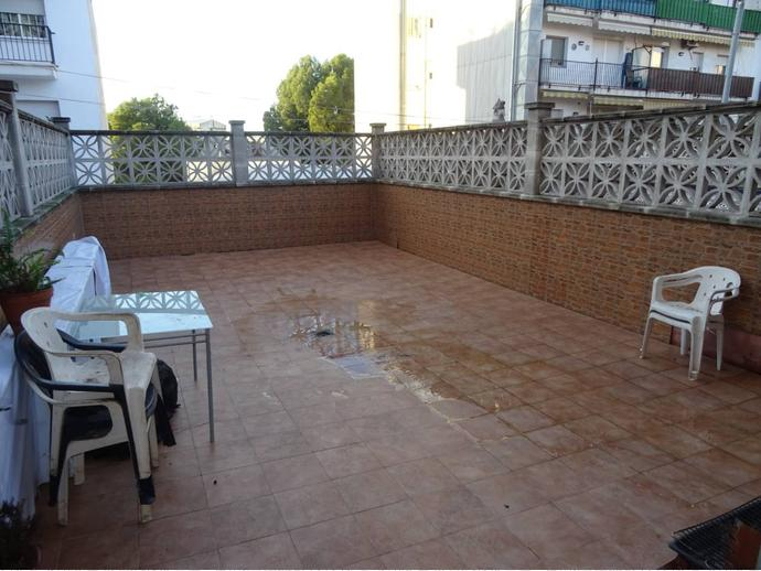 Foto 1 de Casa adosada en Calle Sant Salvador / Can Clos - Pinetons, Ripollet