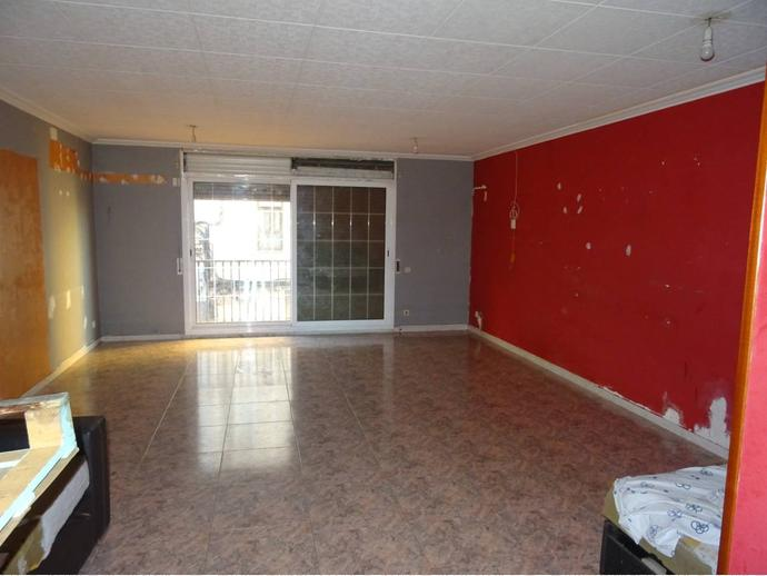 Foto 2 de Casa adosada en Calle Sant Salvador / Can Clos - Pinetons, Ripollet