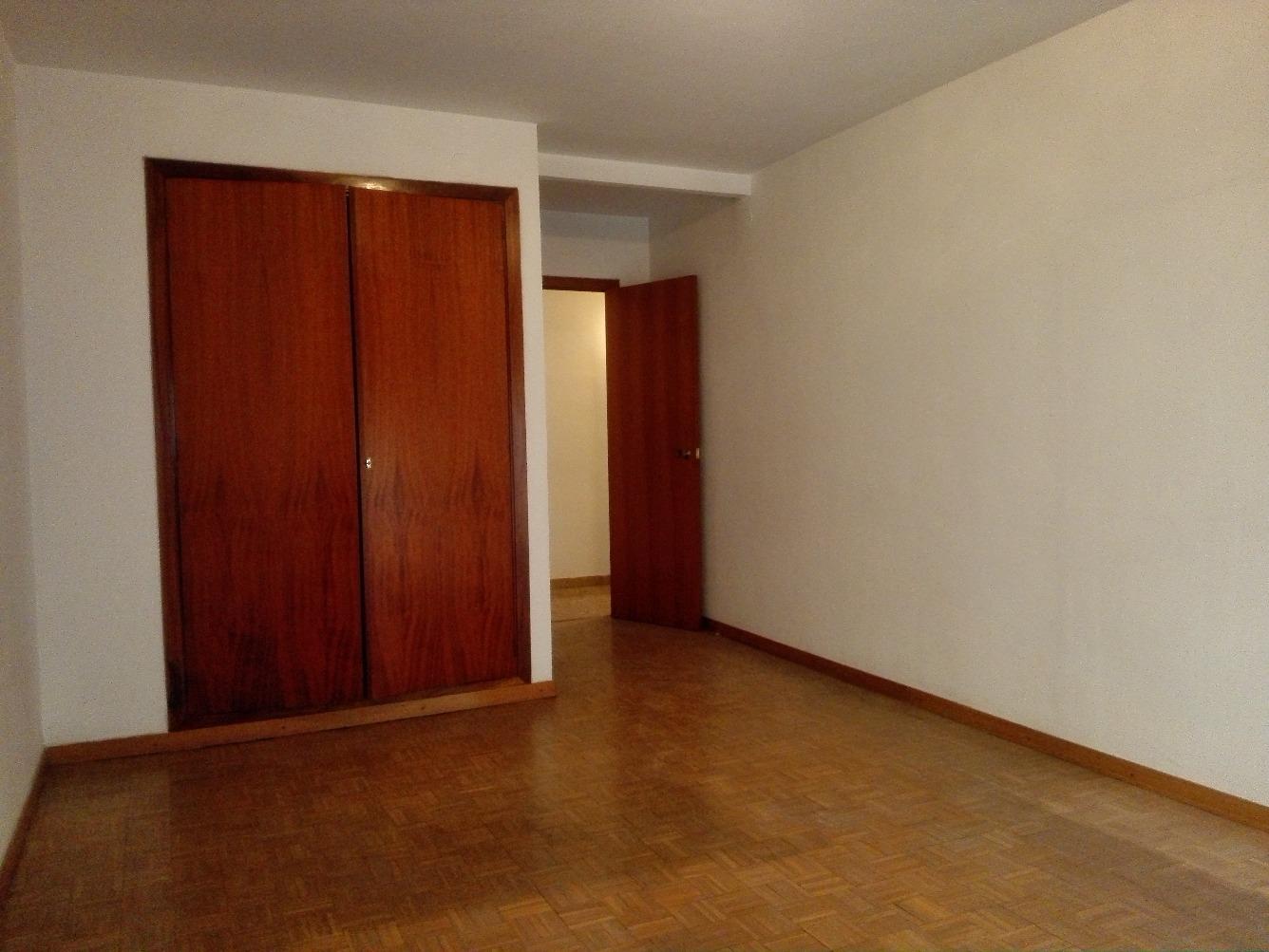 Affitto Appartamento  Calle gran passeig de ronda. Pis de 5 habitacions sense moblar