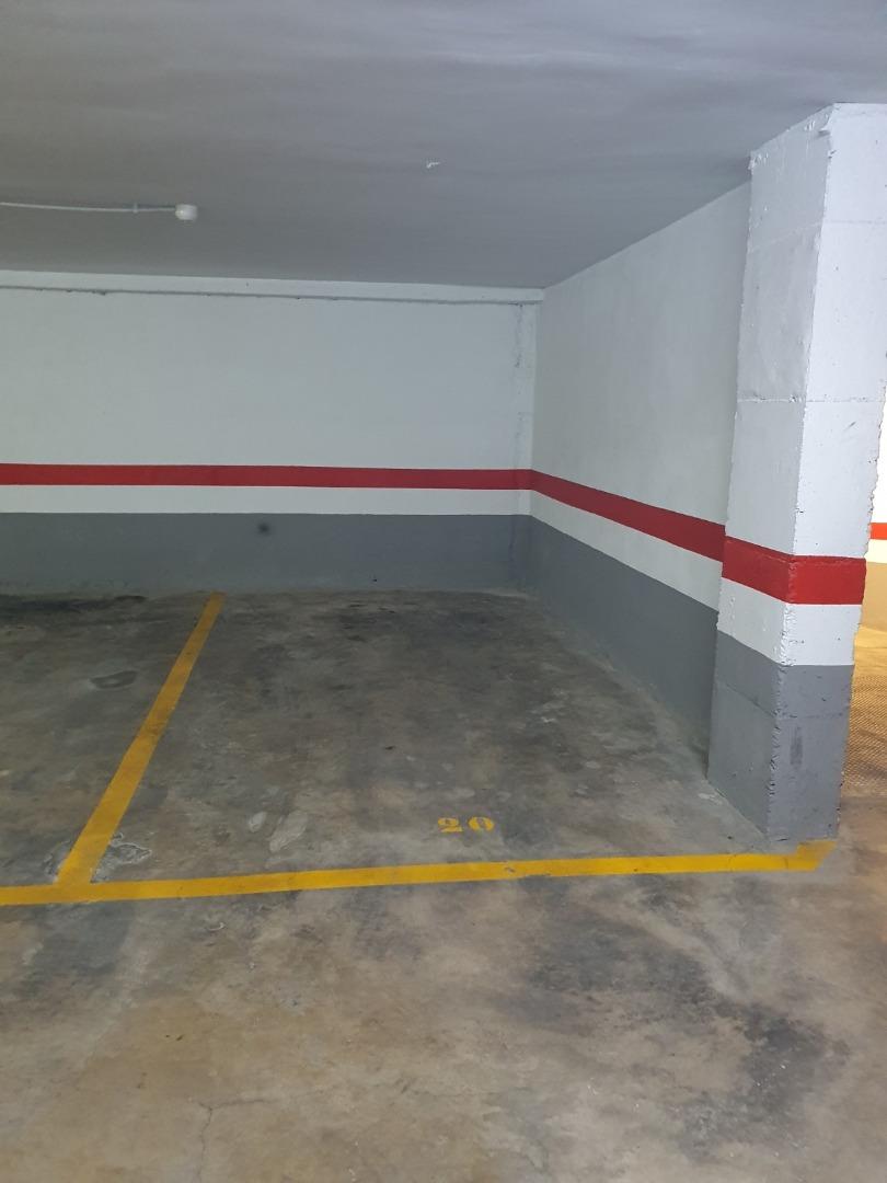 Car parking  Calle ramón y cajal