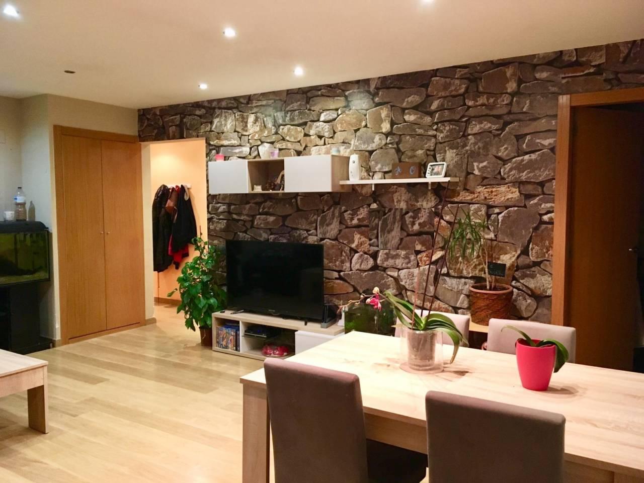 Lloguer Pis  Zona ajuntament. Superf. 90 m², reformado,  3 habitaciones dobles (20m2-14m2-12m2