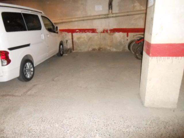Miete Autoparkplatz  Zona bases - pl. bages. Superf. 11 m², 1 plazas, subterráneo, columnas laterales, cerrad