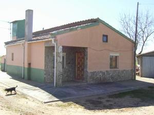 Chalet en Venta en Castrofuerte / Villaornate y Castro