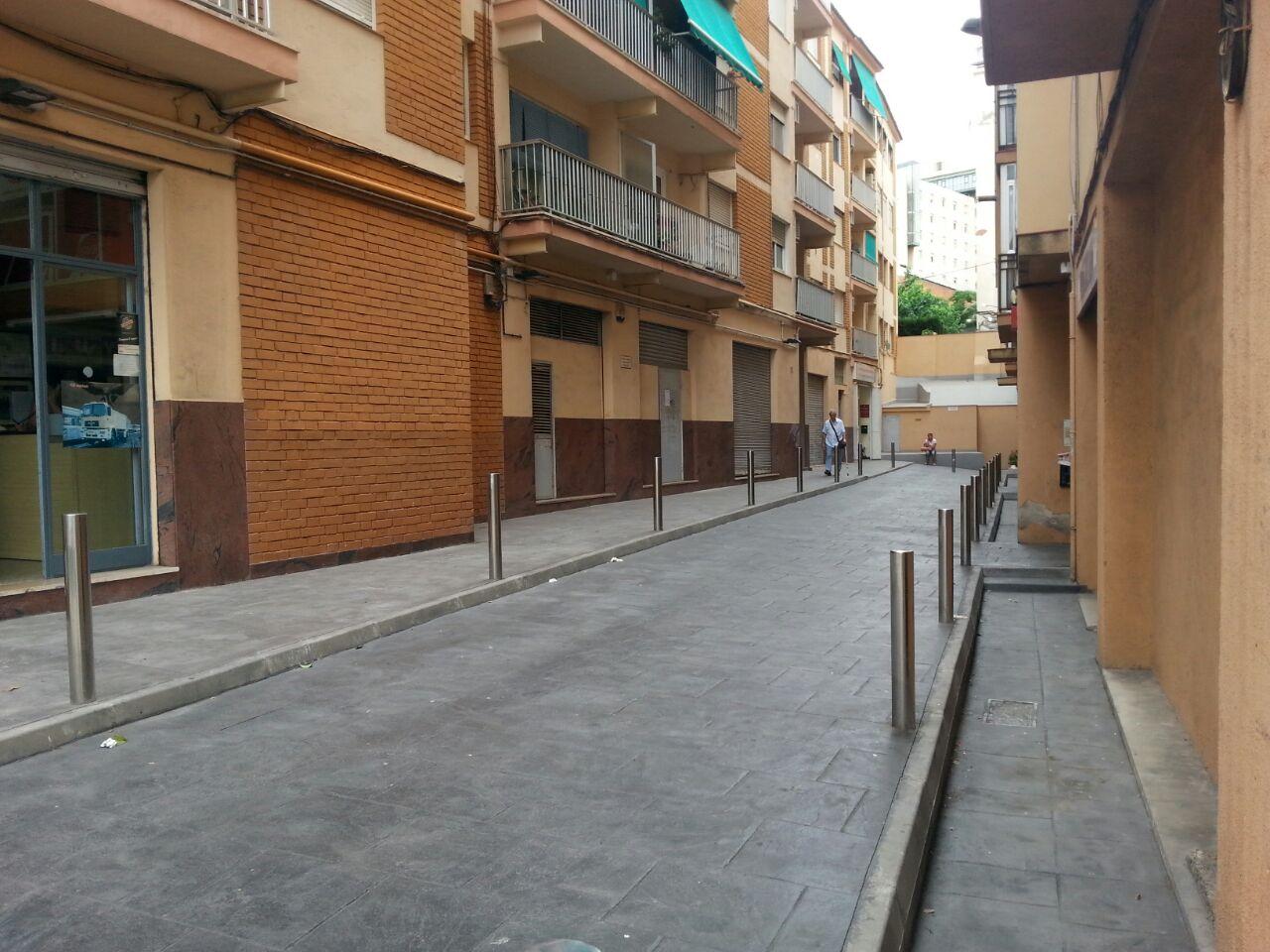 Alquiler Parking coche  Avinguda del principat d'andorra. Se alquilan plazas de aparcamiento individuales av.andorra nº15