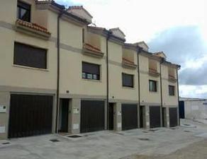 Casa adosada en Venta en Segovia -Roda de Eresma / Cuéllar