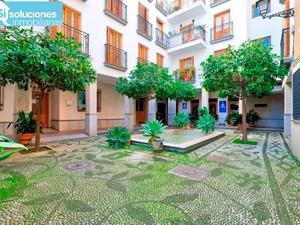 Viviendas en venta con ascensor en Centro, Granada Capital