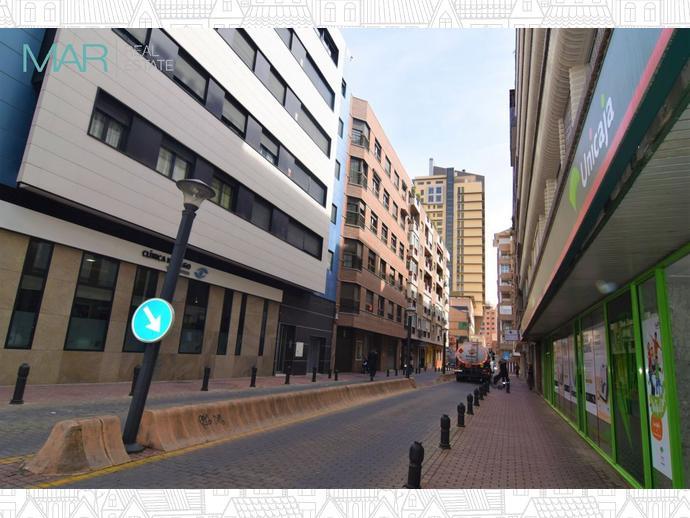 Foto 1 de Local comercial en Granada ,Plaza De Toros / Pajaritos - Plaza de Toros,  Granada Capital
