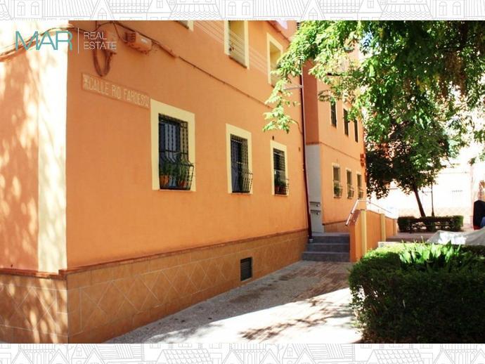 Foto 1 de Piso en Calle Rio Fardes / Barrio de Zaidín,  Granada Capital