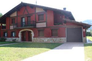 Casa adosada en Venta en Arrondoa / Ataun