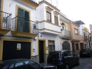 Casa adosada en Venta en Libertad / Casco Antiguo