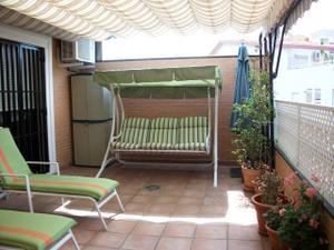 Venta Vivienda Ático ático - 30 metros de terraza - 2 dormitorios - 2 baños- frente metro