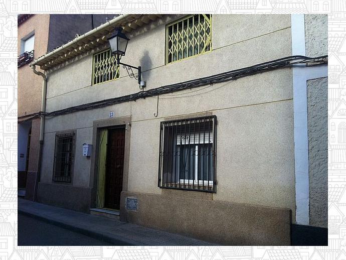 Foto 1 de Casa adosada en Avenida De La Via / Hellín