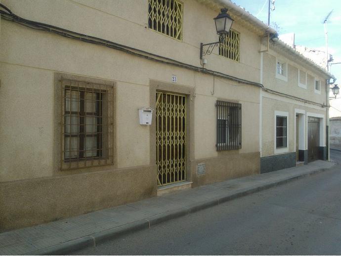 Foto 2 de Casa adosada en Avenida De La Via / Hellín