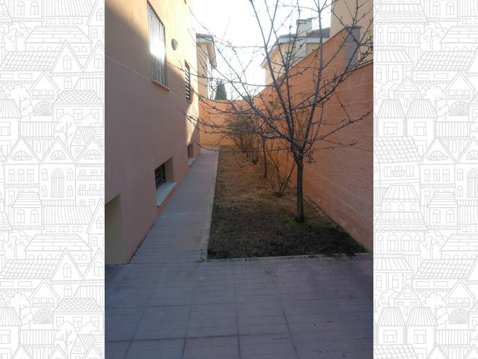 Foto 2 de Casa adosada en Avenida Guardia Civil / Pedanías - Extrarradio,  Albacete Capital