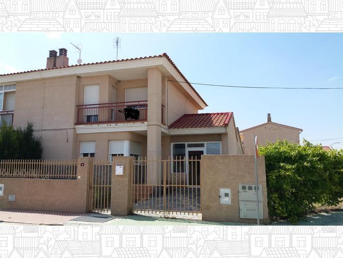 Foto 1 de Casa adosada en Calle Pintor Alfonso Quijada / La Gineta