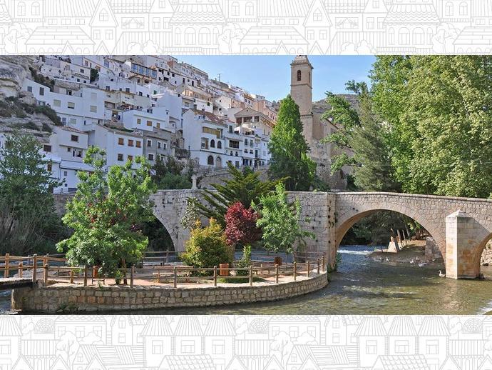 Foto 2 de Chalet en  Castillo, 19 / Alcalá del Júcar