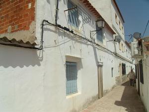 Chalet en Venta en Castillo, 19 / Alcalá del Júcar