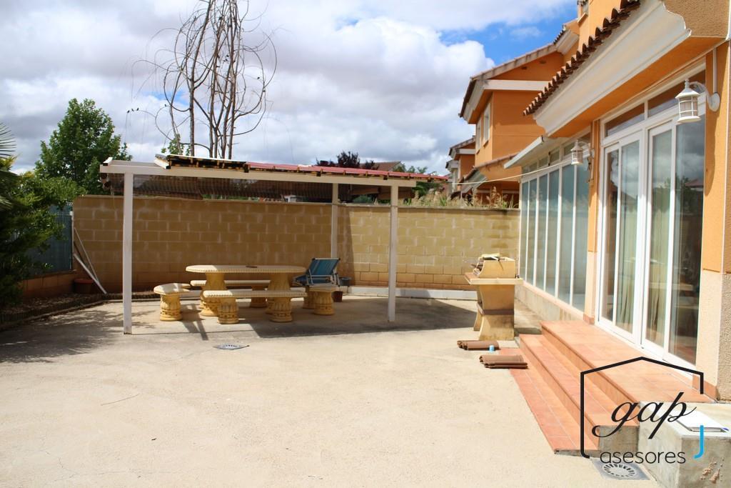 Chalet en venta en Cuenca Capital - Alameda-quinientas-s.xxi