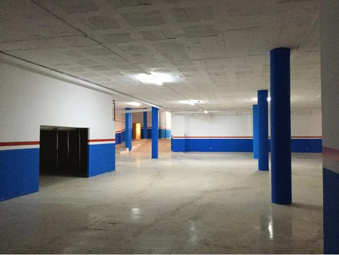 Foto 1 de Local comercial en  Cerdanya, 74 / Centre, Sant Boi de Llobregat