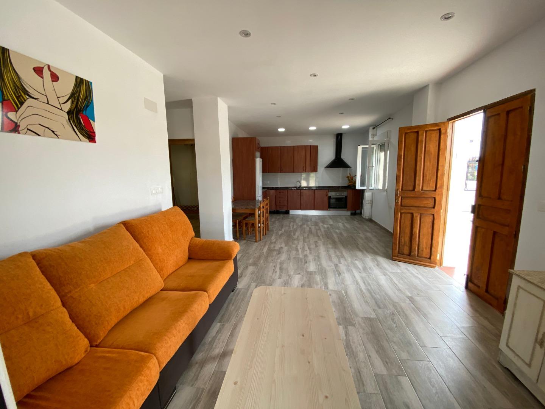 Alquiler Casa  Pedanías noreste - santa cruz. Se alquila casa de huerta con amplia terraza y huerto en santa c