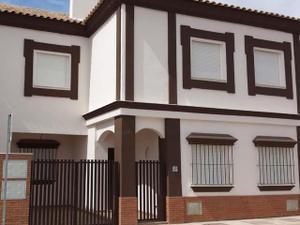 Casa adosada en Alquiler en Rentas...100% Descuento.. Alquiler Opción a Compra / Alcalá del Río
