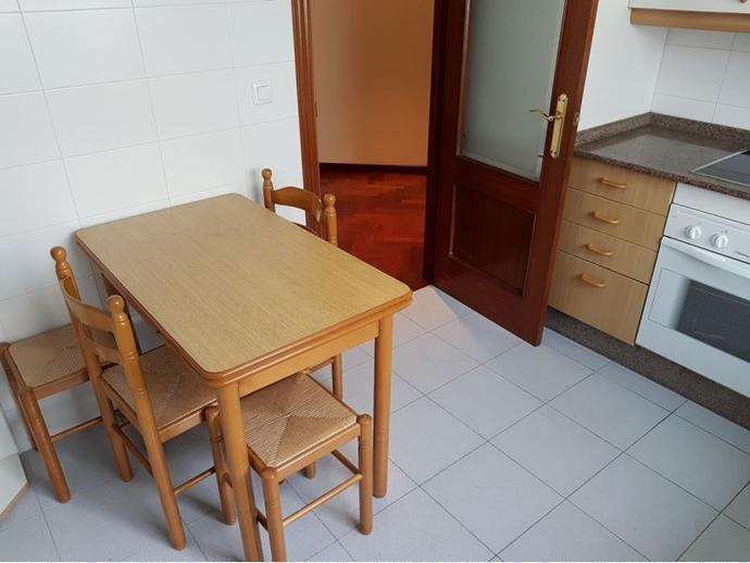 Foto 12 de Piso en A Coruña ,Rosales-Ciudad Escolar-San Roque / Riazor - Los Rosales, A Coruña Capital
