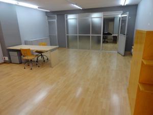 Oficina en Alquiler en Rubí - Zona Mercat / Zona Mercat
