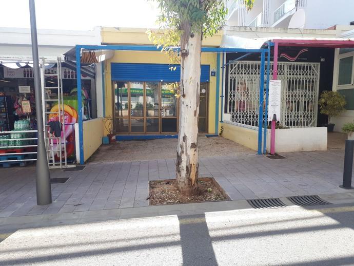 Foto 1 de Local comercial en Calle Eucaliptus / Peguera, Calvià