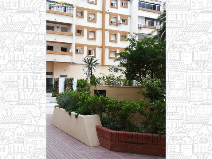 Foto 3 de Piso en Calle Heroe De Sostoa / Parque Ayala - Jardín de la Abadía - Huelín, Málaga Capital