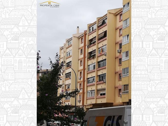 Foto 4 de Piso en Calle Heroe De Sostoa / Parque Ayala - Jardín de la Abadía - Huelín, Málaga Capital