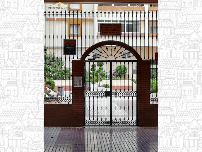 Foto 2 de Piso en Calle Heroe De Sostoa / Parque Ayala - Jardín de la Abadía - Huelín, Málaga Capital