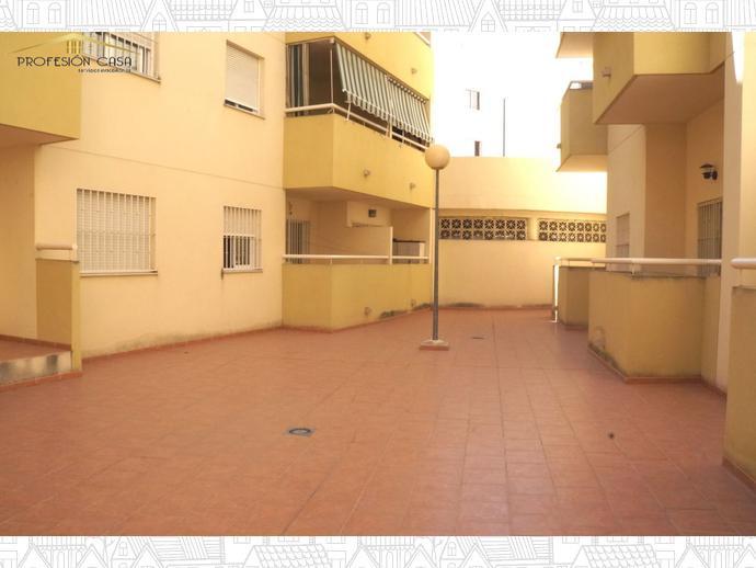Foto 3 de Piso en Calle Alameda De Capuchinos / El Ejido - La Merced - La Victoria, Málaga Capital