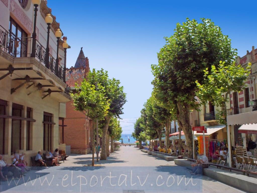 Piso  Canet de mar, canet de mar, barcelona, españa. Ático duplex, en el centro urbano con pocos vecinos, casi nuevo,